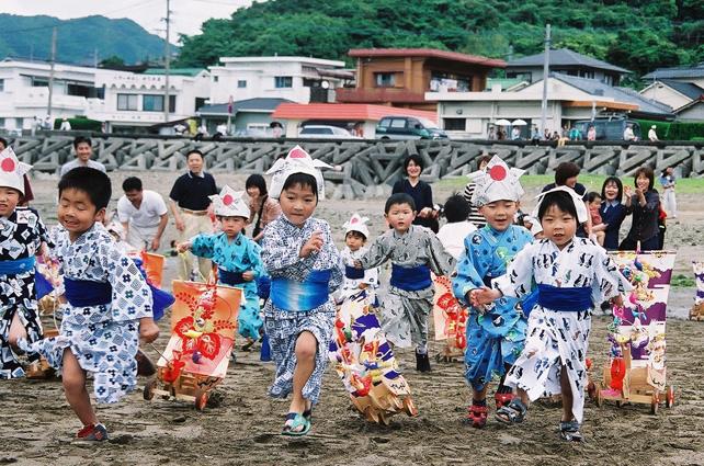 唐カラ船祭り