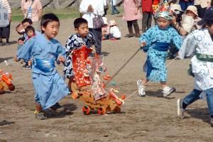 子供の健やかな成長を願う唐カラ船祭り