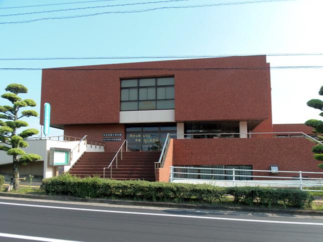 加世田郷土資料館-日新公室・遺跡室・民族室の3室の構成で展示-