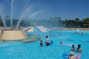 7月第2日曜~8月31日、吹上浜海浜公園のプールが開園します。