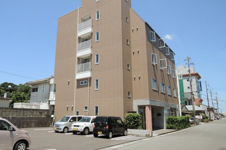 Yoshiya (Budget hotel)