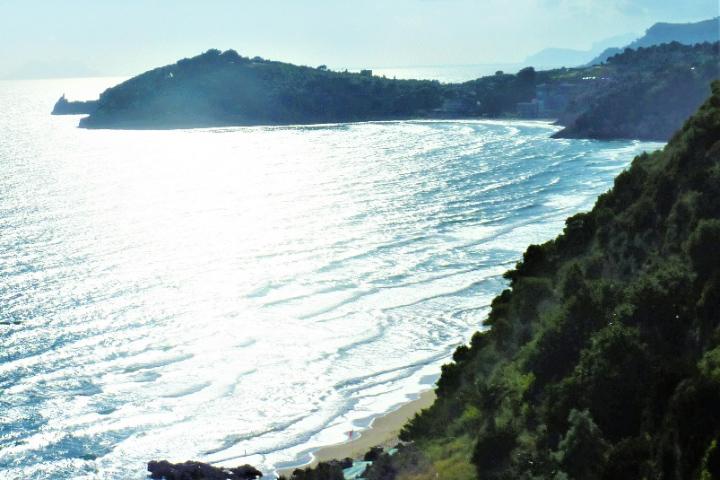 イタリア ナポリ~ローマ間の海岸線